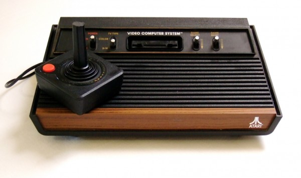 console atari 2600 at26 console occasion pas cher gamecash. Black Bedroom Furniture Sets. Home Design Ideas